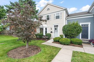 5 Twin Lakes Dr, Fairfield, OH 45014