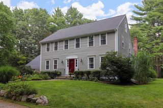 23 Forest St, Sherborn, MA 01770