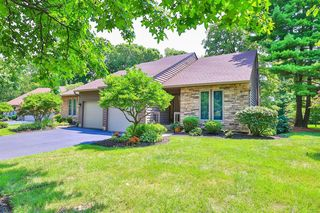 5365 Hickory Trail Ln, Blue Ash, OH 45242