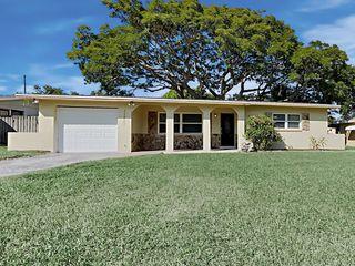 11483 76th Ave, Seminole, FL 33772