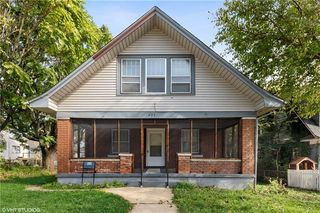 625 S Crysler Ave, Independence, MO 64052