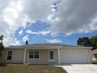 3090 SW Boxwood Cir, Pt Saint Lucie, FL 34953