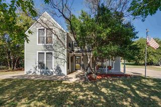 102 E Bank St, Iowa Park, TX 76367