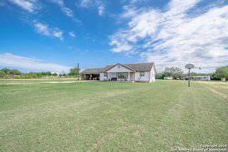 19246 Southton Rd, Elmendorf, TX 78112