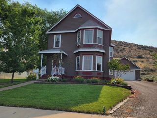 841 S E St, Lakeview, OR 97630