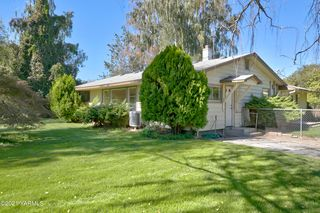 270 McCormick Rd, Yakima, WA 98908