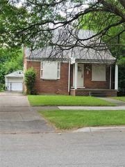 9315 Roselawn St, Detroit, MI 48204
