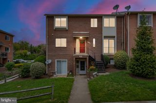 4512 Conwell Dr #210, Annandale, VA 22003