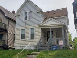 2542 N 37th St, Milwaukee, WI 53210