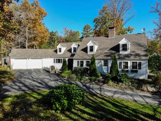 61 Old Settlers Ln, Union, NH 03887