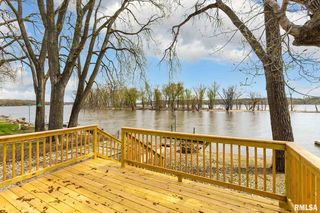 17465 246th Ave, Pleasant Valley, IA 52767