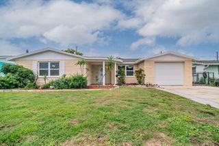 3806 Cedarwood Dr, Holiday, FL 34691