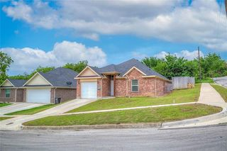 2823 NW 18th St, Fort Worth, TX 76106