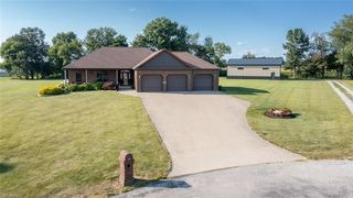 5598 Oberly Dr, Apple Creek, OH 44606