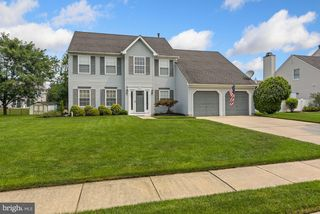 13 Carriage Dr, Mount Holly, NJ 08060