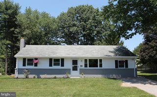 7056 Red Top Rd, Harrisburg, PA 17111