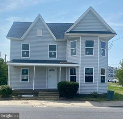 10 S 4th St, Crisfield, MD 21817