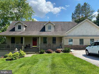 5988 Woods Rd, Stewartstown, PA 17363