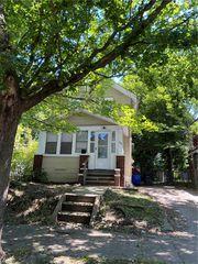 1191 Girard St, Akron, OH 44301