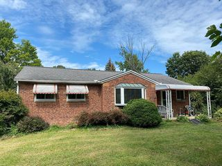 10713 Lindmar Dr, Concord, OH 44077