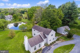 9 Orchard View Dr, Chadds Ford, PA 19317