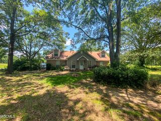 2155 Dickerson Sawmill Rd, Lucedale, MS 39452