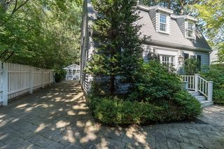 10 Forster Rd, Manchester, MA 01944