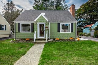 22 Peck St, Milford, CT 06460