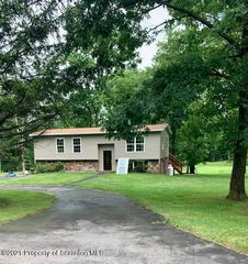 47 Lois Miller Rd, Spring Brook Township, PA 18444