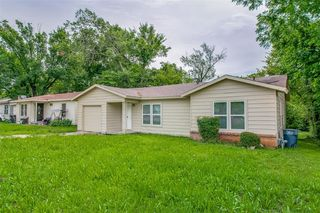 3001 Pate Dr, Fort Worth, TX 76105