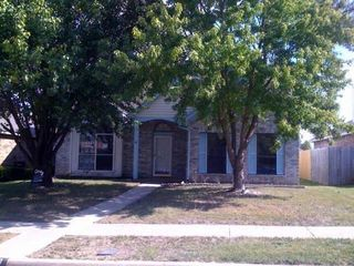 430 Sims Dr, Cedar Hill, TX 75104