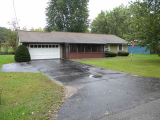 7456 E South Barbee Dr, Pierceton, IN 46562