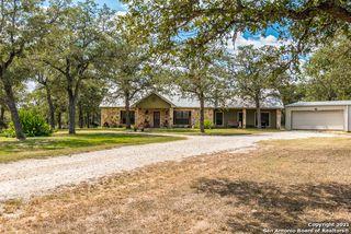 3641 Cross Rd, Kingsbury, TX 78638