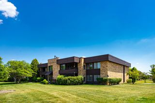 1409 N Sterling Ave #201, Palatine, IL 60067