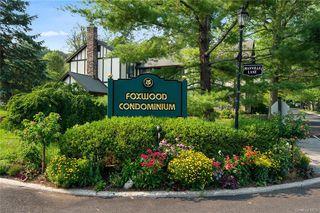 60 Foxwood Dr #6, Pleasantville, NY 10570