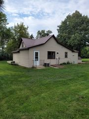 43567 State Highway 25, Roslyn, SD 57261