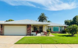 542 Leisure World Blvd, Mesa, AZ 85206