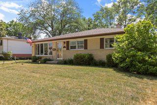 502 S Crestwood Ln, Mount Prospect, IL 60056