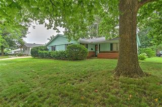 1854 S Country Club Rd, Decatur, IL 62521