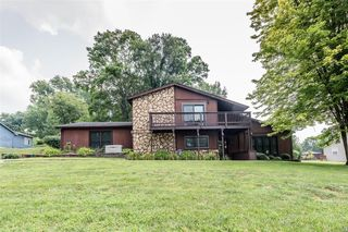 18 Valley View Dr, Collinsville, IL 62234