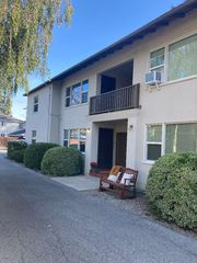 922 Oak Ln #4, Menlo Park, CA 94025