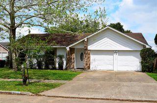 6915 Harpers Dr, Richmond, TX 77469