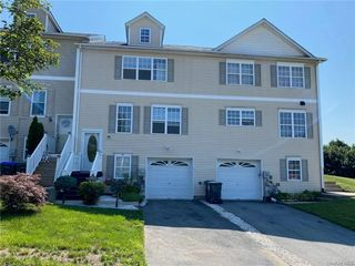 13 Evan Ct, Middletown, NY 10940