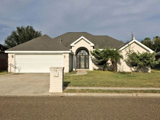 2203 Betty Dr, Mission, TX 78572