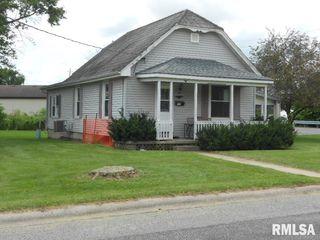401 W Randolph St, Roanoke, IL 61561