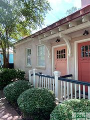 101 Pearl St, Savannah, GA 31405
