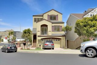 398 Bay Ridge Dr, Daly City, CA 94014