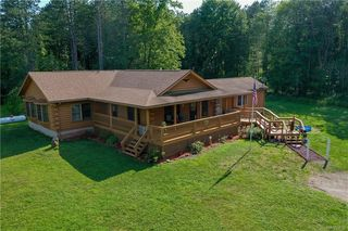 2842 Drum Rd, Middleport, NY 14105