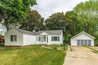 1661 N Hicks Rd, Palatine, IL 60074