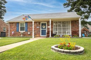 208 Prince Albert Ave, Colonial Heights, VA 23834